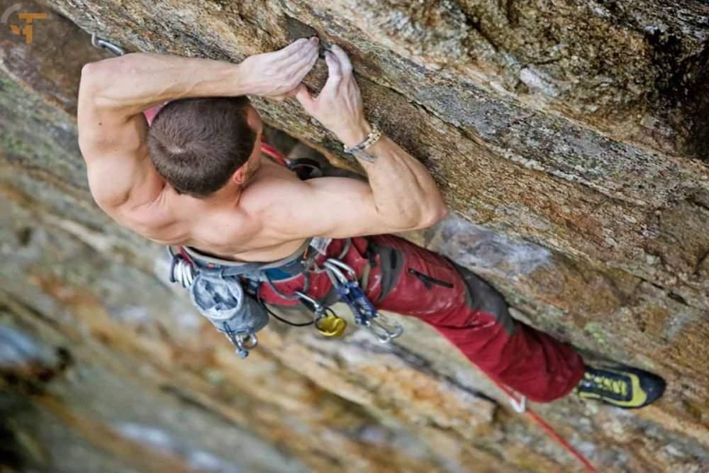 آموزش مقدماتی صخره نوردی